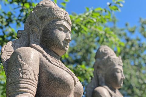 Amphorenträgerin Buddha