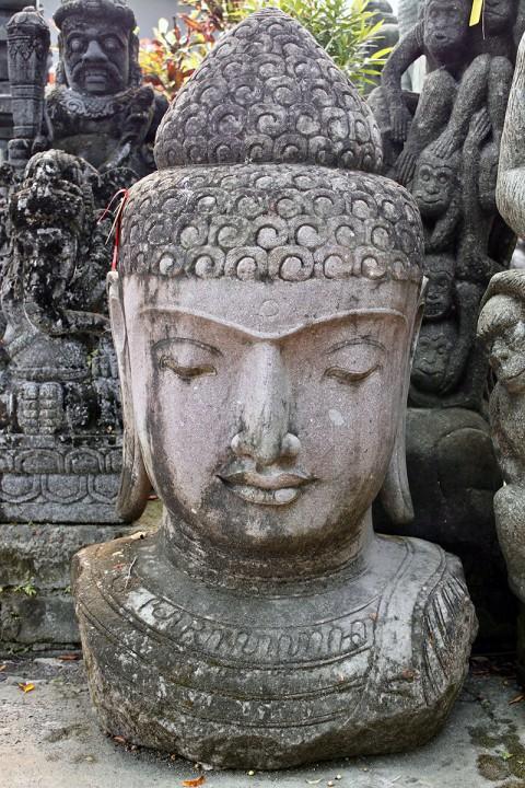 Buddha Büste Naturstein 140 cm