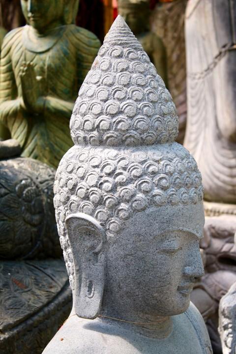 Buddha Statue 140 cm Seitenansicht