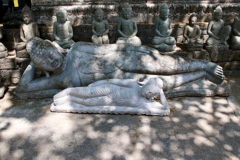 Liegender Buddha 210 cm Front