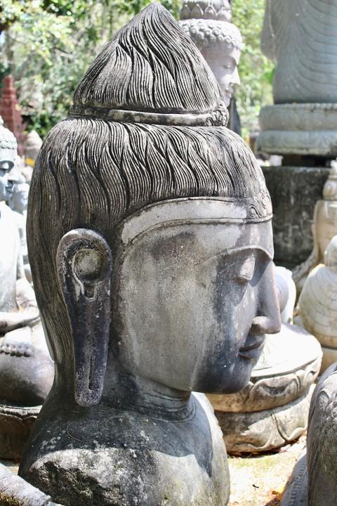 Buddha Büste 110 cm Seitenansicht